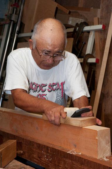 using a kanna --Japanese plane --to finish wood