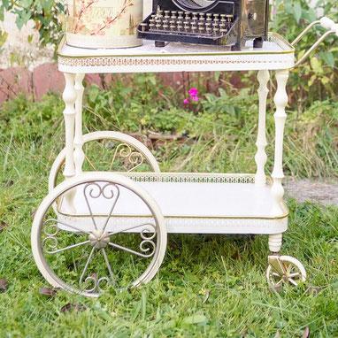 chippendale tisch vintage geschirr und dekoration. Black Bedroom Furniture Sets. Home Design Ideas