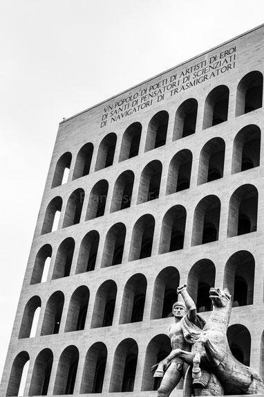 Palazzo della Civiltà Italiana - colosseo quadrato