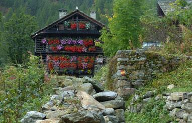 Wunderschön dekorierte Bauernhäuser