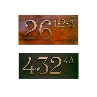 Numeri civici in rilievo