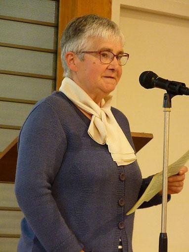 9-Marie-Thérèse Laurent est intervenue pour témoigner de l'accueil de nouveaux et en particulier de jeunes dans l'Eglise et sur les baptêmes d'adultes