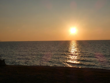 日が落ちるとグッと冷えますね。