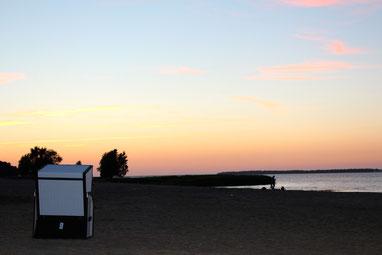 Bild: Sonnenuntergang am Strand von Freest