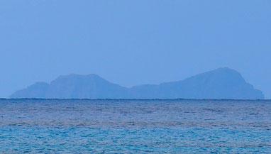 中御神島(オガン島)