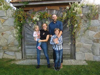 Bild von Helena, Bettina, Reinhard und Daniel Jachs
