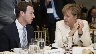 Соцсети помогают Меркель наводнить Германию беженцами