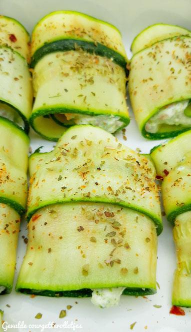 Gevulde courgetterolletjes met broccolipesto, ricotta en gerookte zalm
