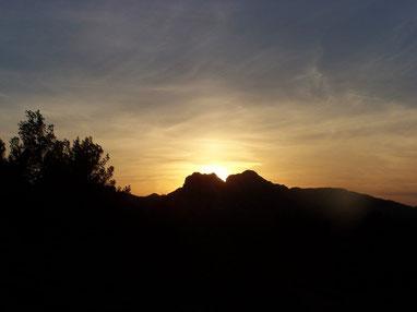 Coucher de soleil au Hameau des Baux