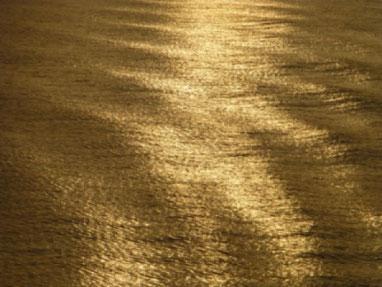 Die Gedanken während einer Wohlfühlhypnose einfach fliessen lassen, wie diese sanfte Wellenbewegung.