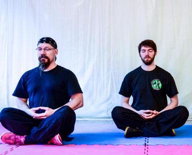 Yin Yang Symbol: Der Taiji Kurs der Jing Wu Köln schafft Balance von Körper, Geist und Seele.