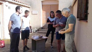 Lors du prélèvement des échantillons au dépôt archéologique de Port-Vendres