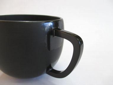 コーヒーカップ 取っ手を中塗り
