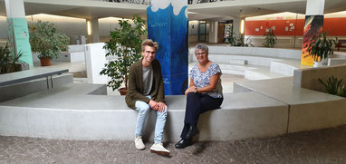 AStA-Vorsitzender Paul Klär mit MdL Helga Lerch
