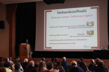 Beim 9.Freiburger Wundsymposium präsentierten 22 Referenten traditionelle Erkenntnisse und aktuelle Neuerungen in der Wundversorgung.  (Foto: Conventus)