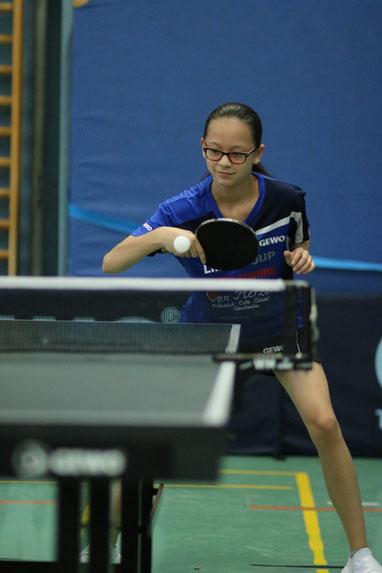 Die zwölfjährige Haiyan Aye aus der Talentschmiede des TSV Schwarzenbek gewann bei den Landesmeisterschaften der Schülerinnen B zwei Silbermedaillen.