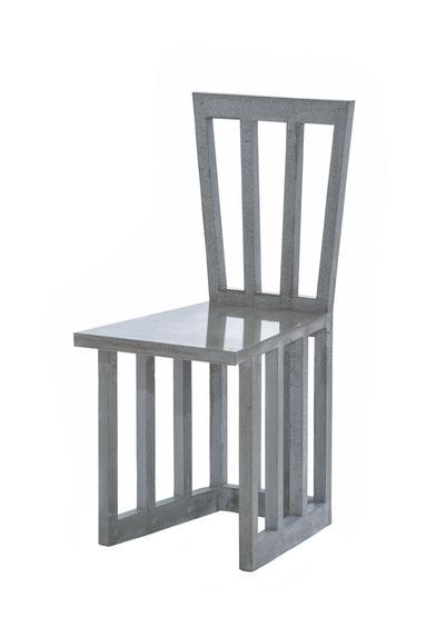 Stuhl in einem Stück geschalt und betoniert