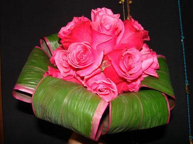 Ramo de Novia con rosas fucsias.