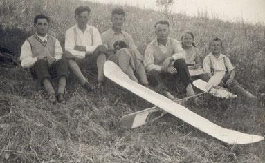 Lange vor der Gründung der FAG Fellbach --- Otto Ehrmann und Alfred Ebinger (3. u. 4. v.l.)
