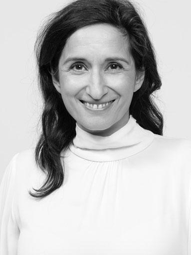 Schwarz Weiß Portrait Foto von Arezu Weitholz