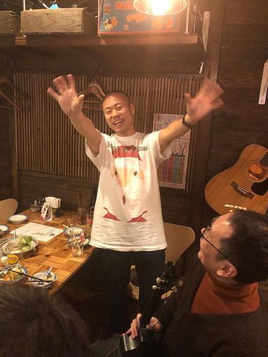 """東京農業大学の伝統踊り!! """"大根踊り""""を披露中(笑)!!"""