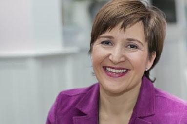 Gaby Feile, Gastgeberin Wortwechsel in Violett; Kommplizin