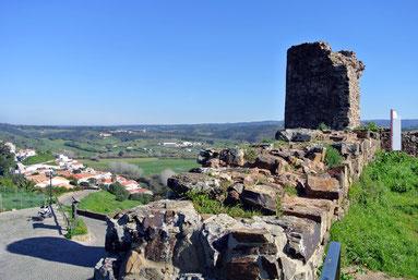 Blick von den Mauern der Ruine in Aljezur
