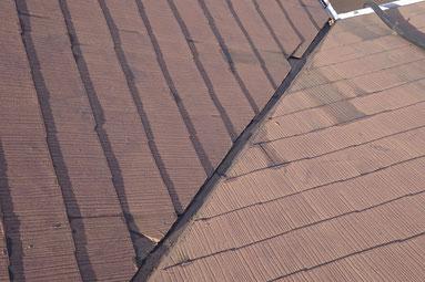 スレート屋根の塗装はがれ