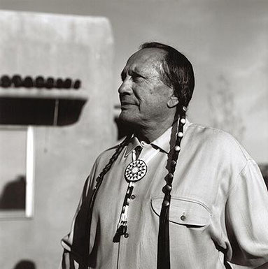 Russel Means, mit Dennis Banks Hauptangeklagter im Wounded Knee Prozess