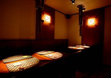 テーブル(4席×2)→繋げて10名様ぐらいまで可能