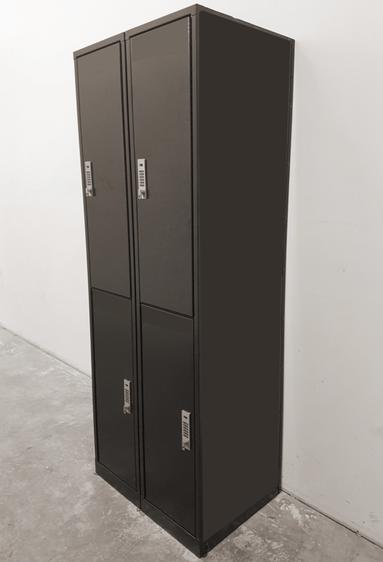 cleanboxone, über uns, Bild von schwarzer Cleanbox-Schrankeinheit