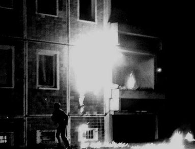 "Det brændende ""Sonnenblumenhaus"" i Rostock"