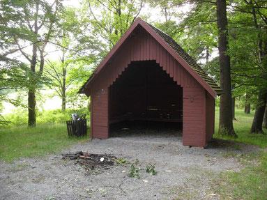 Schutzhütte im Park