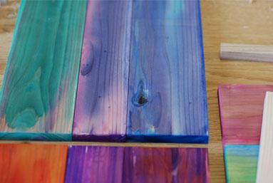 子どもと作る椅子 板に着彩