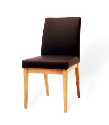 Esszimmerstuhl gepolstert aus Eiche mit Echtleder. Designerstuhl