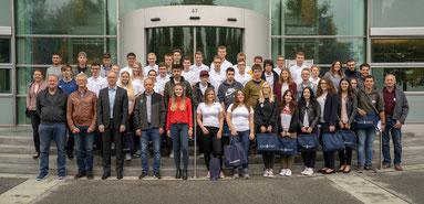 Die 40 neuen Auszubildenden der Verbundausbildung (Fotograf: Sebastian Preischl  © Europoles GmbH & Co. KG)