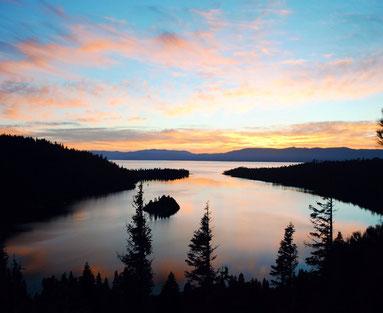 ꧁ ©Cheyenne Knowles, Lever de soleil sur le lac Tahoe ꧂