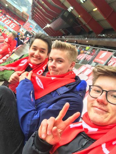 Stephan, Hannes und Johannes beim Fußballspiel