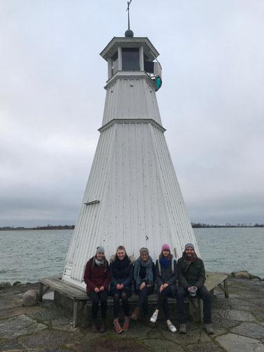 Treffen mit den lettischen Praktikanten: Livia, Emelie, Sofia, Anna und Leonard