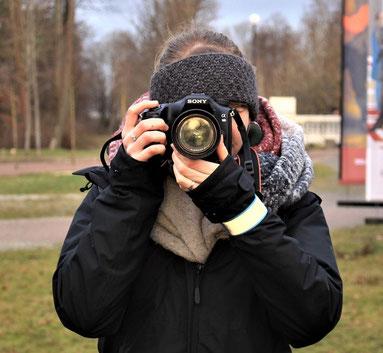 Auf der Suche nach schönen Fotomotiven (Foto: Alexandra Herger)