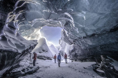 La cueva de Cristal del glaciar islandés Breidamerkurjokull.