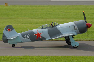 Bei uns ist die Yak-3 in der Luft zu sehen. (Foto: Rschider [GFDL (http://www.gnu.org/copyleft/fdl.html) oder CC BY-SA 3.0  (https://creativecommons.org/licenses/by-sa/3.0)], vom Wikimedia Commons))