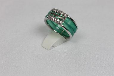 Ring Anfertigung mit grünen Smaragden