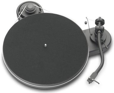 Pro-Ject Plattenspieler Genie 1.3 weiß bei Jazz Dreams HiFi Berlin kaufen.