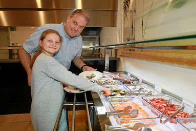 Das neue Buffet für den mongolischen Grill im Chinarestaurant Rosengarten in Rheinfelden
