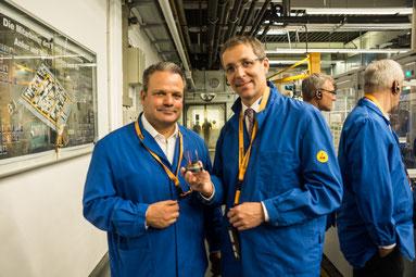 Landrat Dr. Michael H. Koch und Sven Ott, Plant Controller von Continental in Bebra