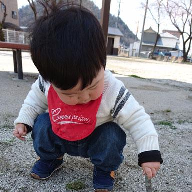 「小さい頃は出来てたのに・・・」ってよく耳にします(笑)しゃがむ習慣も減ってくると出来なくなりますよね。