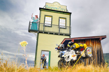Dawson City - 1898 bekannt für schnellen Reichtum, schnelle Pleite und leichte Mädchen