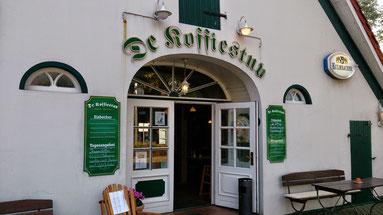 ~ Bild: Das gemütliche Café-Restaurant 'de Koffiestuv' in Dorum-Neufeld hinterm Dorumer Deich ~ ☺☺
