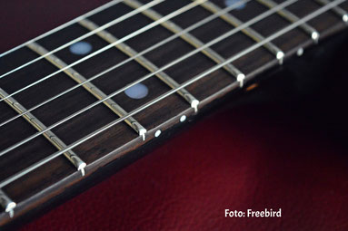 hohe Saitenlage bei E-Gitarre